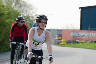 Cyklister på banan